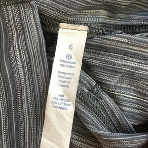 lululemon athletica Pants & Jumpsuits - Lululemon leggings size 6